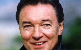 Чешского певца Карела Готта экстренно госпитализировали в Праге