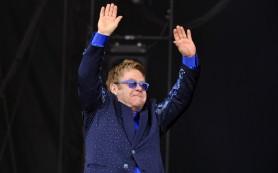 Элтон Джон и Лаура Паузини открыли фестиваль итальянской эстрадной песни в Сан-Ремо