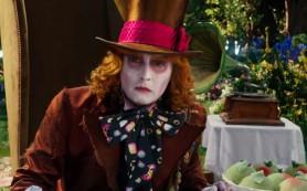 В сети появился новый трейлер «Алисы в Зазеркалье»