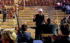 Путин по видеосвязи пообщался с участниками концерта в Пальмире