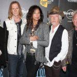 Стивен Тайлер сообщил о распаде Aerosmith