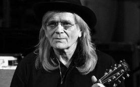 Умер гитарист Wings и Джо Кокера