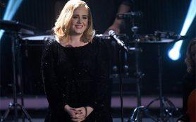 Адель выругалась 33 раза за концерт в знак протеста против запрета мата