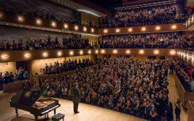 Хворостовский отказался от участия в оперных постановках из-за болезни