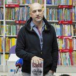 Захар Прилепин презентовал в Волгограде новую книгу
