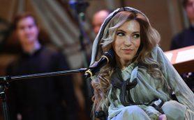 Самойлова спела «Молитву» на пасхальном концерте в храме Христа Спасителя