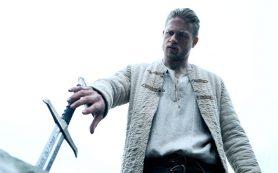 Карты, деньги и Экскалибур: зачем смотреть фильм Гая Ричи о короле Артуре