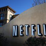 """Netflix создаст сериал о предыстории книги и фильма """"Пролетая над гнездом кукушки"""""""