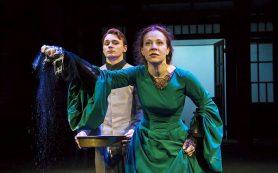 В Театре Вахтангова представили женский взгляд на Флобера