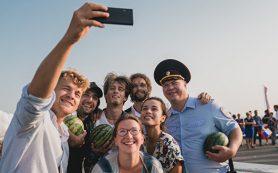 Как в «Девчатах» — Алексей Демидов о съемках на стройке Крымского моста