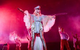 В постели с Лободой: певица представила свое новое шоу