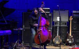 Джазовый исполнитель Стэнли Кларк дал концерт в Московском доме музыки