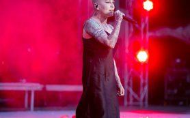 «Много матов, постоянно пила»: концерт Наргиз шокировал зрителей