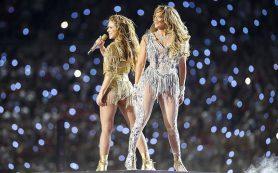 Дженнифер Лопес и Шакира выступили в перерыве матча на Суперкубке в США