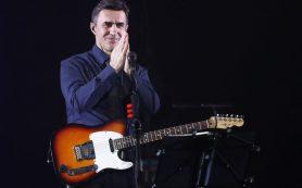 Бутусов ко Дню Победы спел собственную версию песни «Темная ночь»