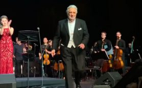На гала-концерте Пласидо Доминго в Большом театре спели «Подмосковные вечера»